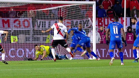 Mano elogia segundo tempo do Cruzeiro, mas cobra melhor acabamento nos contra-ataques
