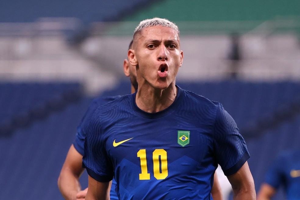 Richarlison comemora gol pelo Brasil nas Olimpíadas — Foto: Getty Images