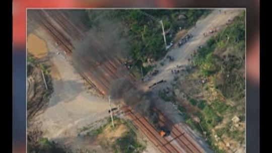 Manifestantes liberam a Estrada de Ferro Carajás, no Pará