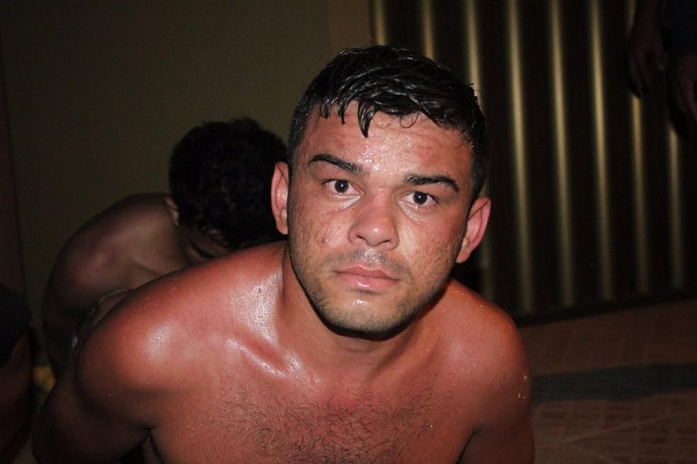 Fernando Bezerra da Silva, de 25 anos, foi morto quando chegava em casa, em Mossoró, RN (Foto: Marcelino Neto/ O Câmera)