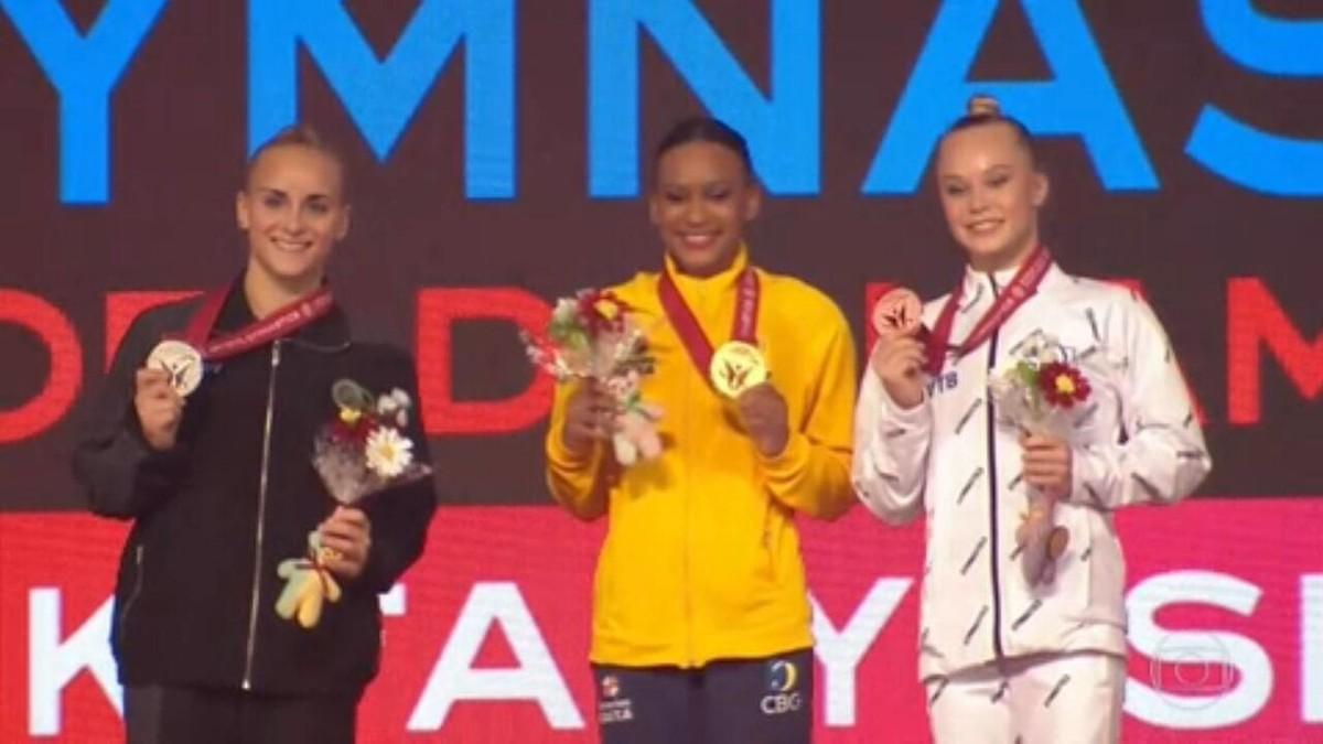 Rebeca Andrade ganha ouro e prata no Mundial de Ginástica do Japão