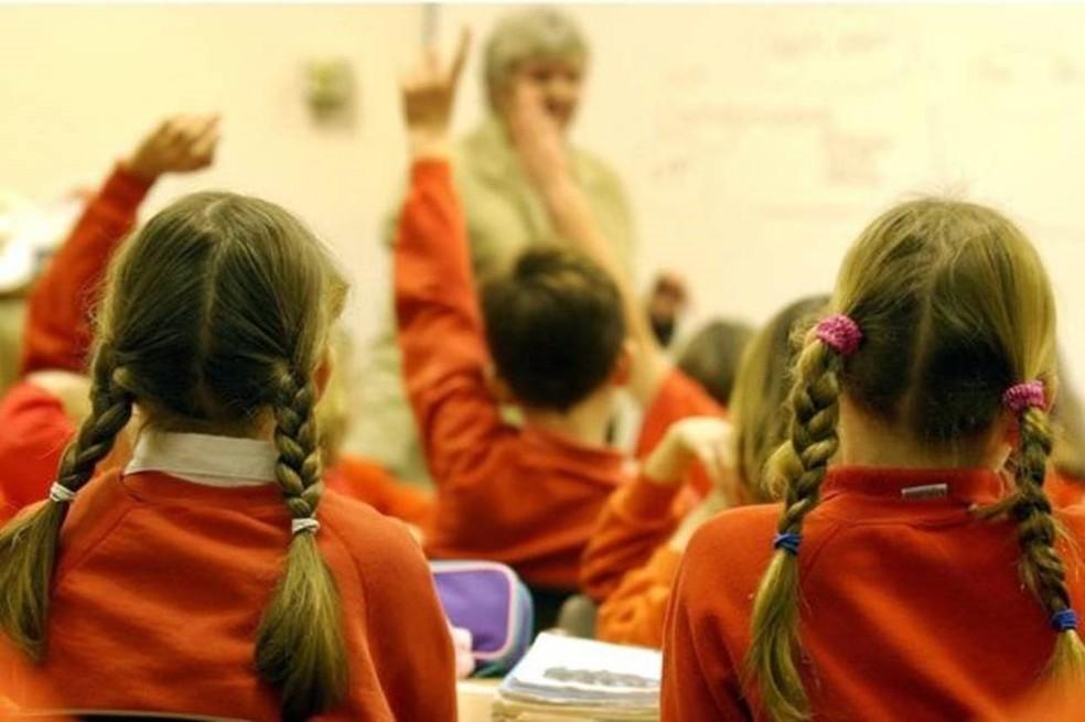 Desempenho acadêmico e disciplinar dos filhos pode ser afetado por brigas constantes entre os pais (Foto: PA Image caption )