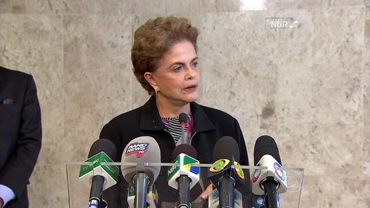 Dilma afirma que não renuncia ao mandato