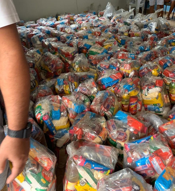 Foram 150 cestas básicas doadas com alimentos e produtos de limpeza — Foto: Arquivo Pessoal