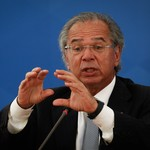 O ministro da Economia, Paulo Guedes, em entrevista no Planalto