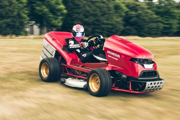 Mean Mower V2 é o novo cortador de grama do mal da Honda (Foto: Divulgação)
