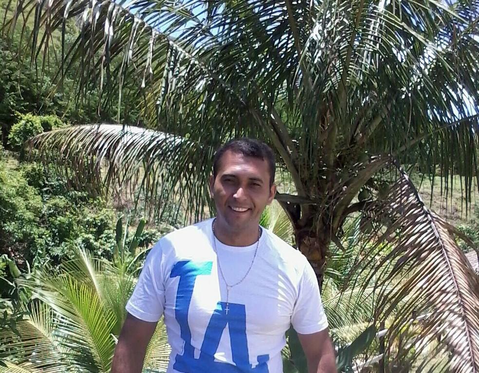 Corpo de José Rogério dos Santos foi localizado dentro de uma lagoa na Grande BH — Foto: Reprodução/Facebook
