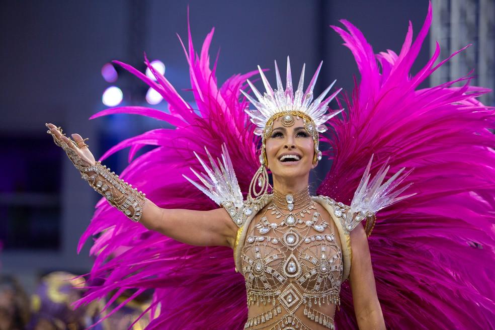 Sabrina Sato é o maior destaque durante desfile da Gaviões da Fiel  — Foto: Marcelo Brandt/G1