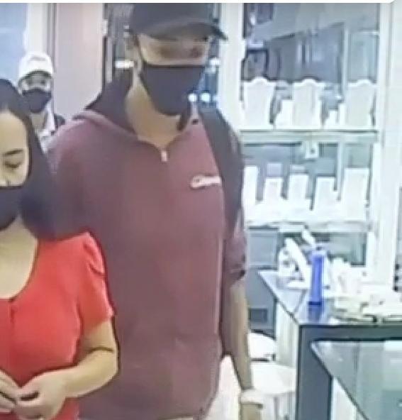 VÍDEO: assaltantes rendem funcionárias e roubam joalheria em shopping no Gama, no DF