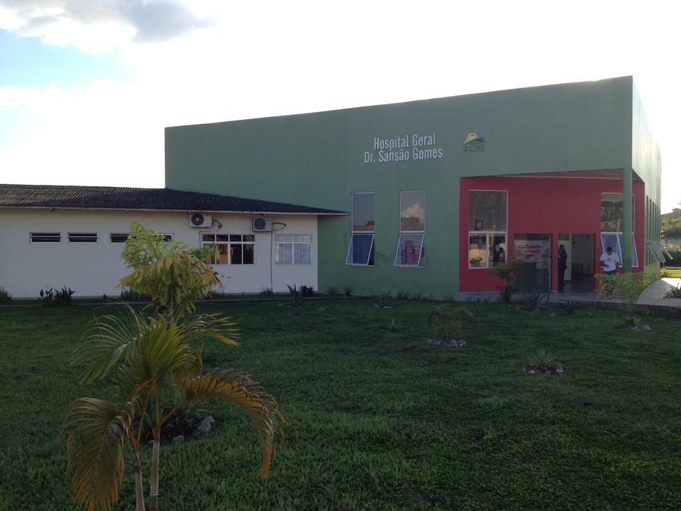 Jovem chegou a ser levado ao hospital de Tarauacá, mas não resistiu — Foto: Duaine Rodrigues/G1