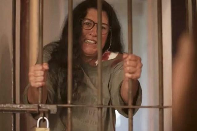 Regina Casé como a Lurdes de 'Amor de mãe' (Foto: Globo)