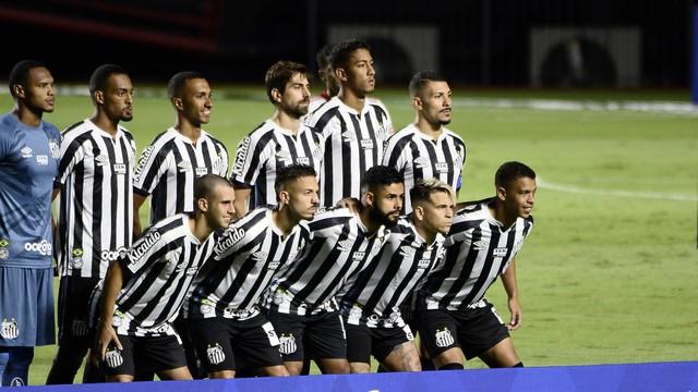 Santos posado para jogo contra o São Paulo