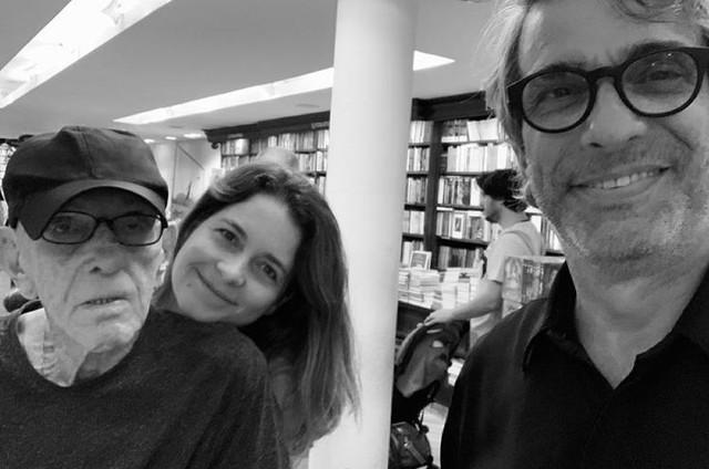 Rubem Fonseca, Claudia Abreu e José Fonseca (Foto: Reprodução)