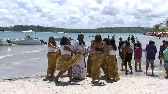 Lia de Itamaracá é homenageada em Festival de Ciranda da ilha
