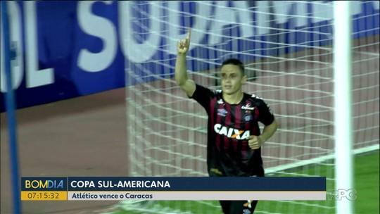 """Vaquinha e """"apelo"""" ao Palmeiras: torcedores do Atlético-PR se mobilizam para manter Veiga"""