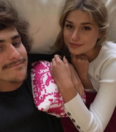 O casal sempre aparece de chamego nas redes (Foto: Instagram)