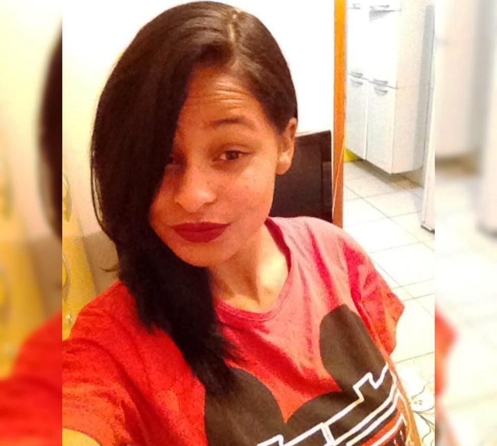 Jovem grávida foi encontrada morta nesta terça-feira (5) em Uberlândia, após ter criança retirada da barriga por suspeita de 37 anos (Foto: Reprodução/Facebook)