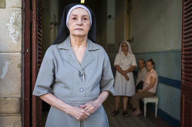 Joana Fomm em 'Sob pressão' (Foto: Raquel Cunha/TV Globo)
