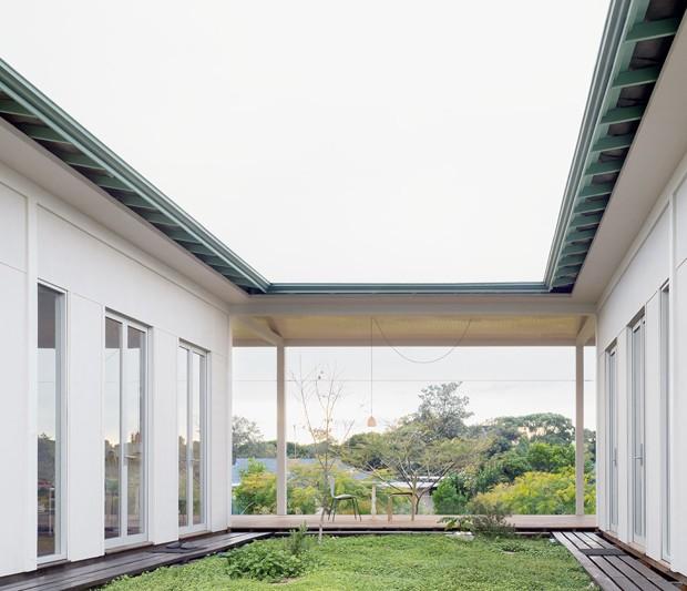 Casa propõe mindfulness na arquitetura com espaços vazios (Foto: Andrew Power/Divulgação)