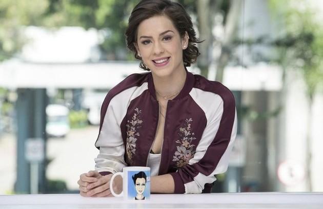A atriz Sophia Abrahão estreou no 'Vídeo show' em fevereiro de 2016 e segue à frente do programa (Foto: TV Globo)