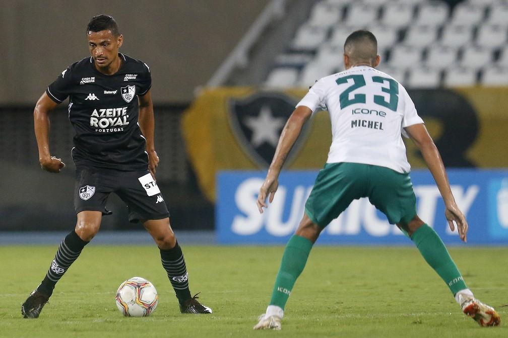 Cicero está fora dos planos do Botafogo — Foto: Vitor Silva/Botafogo