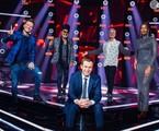 Michel Teló, Carlinhos Brown, Lulu Santos e Iza com o apresentador Tiago Leifert no 'The voice Brasil' | Globo