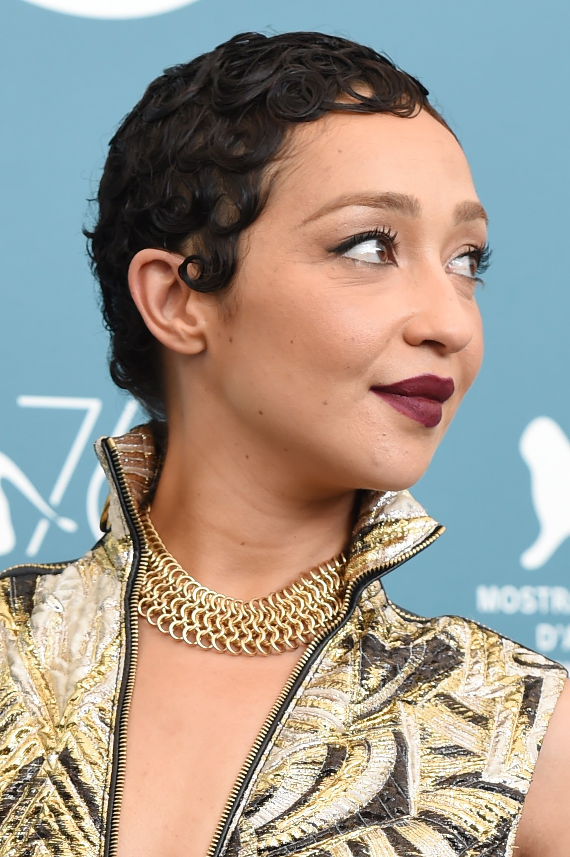 Ruth Negga durante o Festival de Cinema de Veneza 2019 (Foto: Getty Images)