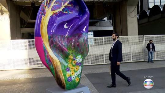 Esculturas são espalhadas nas ruas de São Paulo para incentivar cuidados com a audição