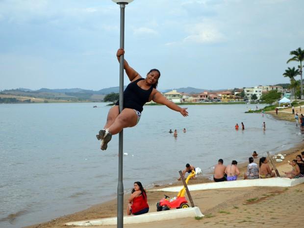 A agente de saúde Tatiane Cardoso Silva: 10 quilos perdidos em 1 ano praticando (Foto: Lucas Soares)