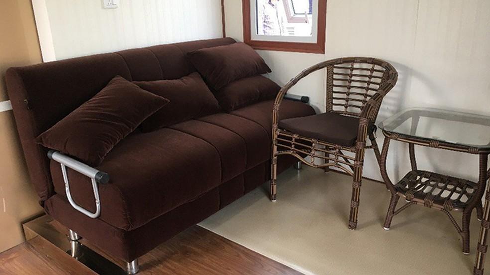 Casa vem totalmente mobiliada — Foto: Reprodução/Amazon