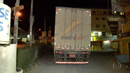 Polícia prende suspeitos de roubo de carga em Ribeirão das Neves