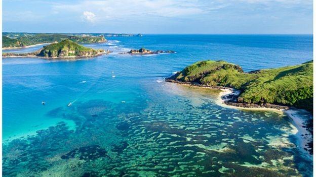 A ilha de Lombok é um dos principais destinos turísticos da Indonésia (Foto: GETTY IMAGES via BBC)