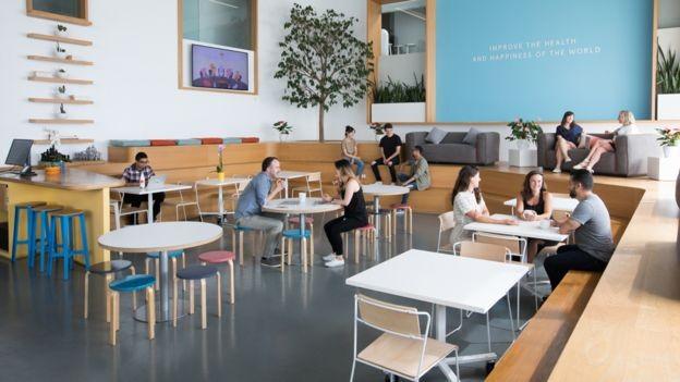 Com sede em Los Angeles, Headspace tem hoje 300 funcionários (Foto: Headsapce/BBC News Brasil)