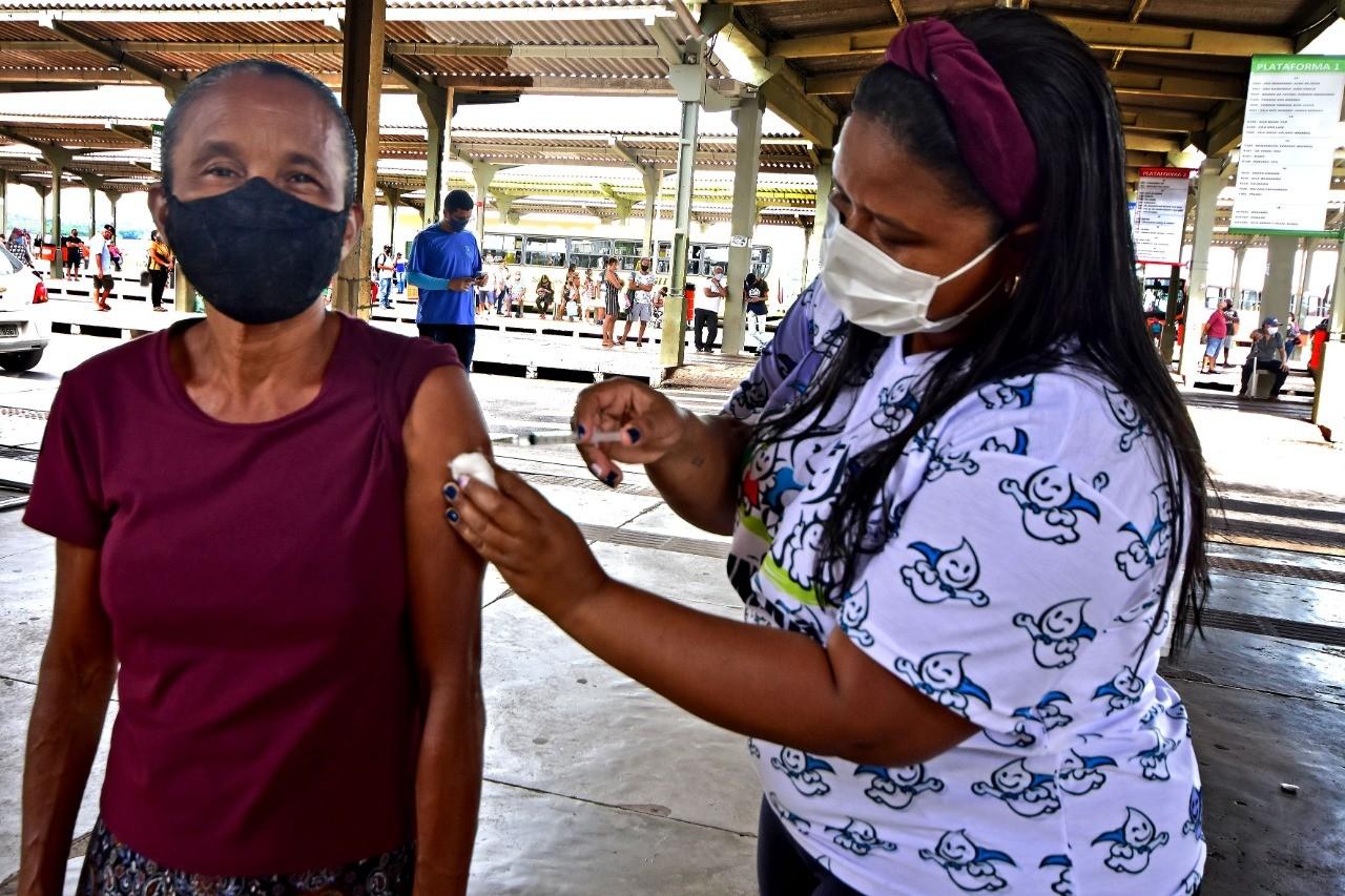 Prefeitura inicia vacinação contra H1N1 nos terminais de integração de São Luís; veja o calendário