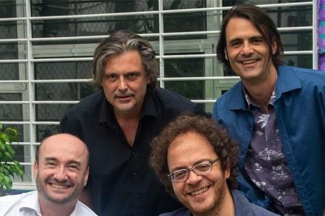 André Novis e André Ristum (na frente) e os irmãos Caio e Fabiano Gullane  (Foto: Bárbara Monteiro)