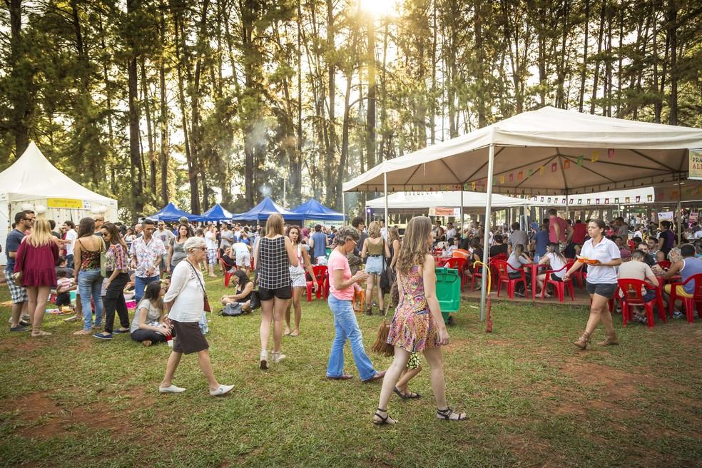 Brasilienses durante evento Picnik no Parque da Cidade (Foto: Tomás Faquini/Divulgação)