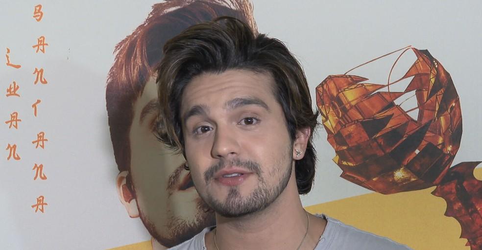 Luan Santana é o vice-campeão de execuções em rádios, em 2019, com a música 'Quando a bad bater' — Foto: TV Globo / Reprodução