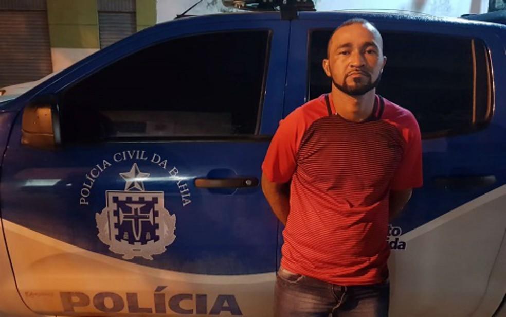 Suspeito foi preso em flagrante durante festejos de São João (Foto: Divulgação/Polícia Civil)