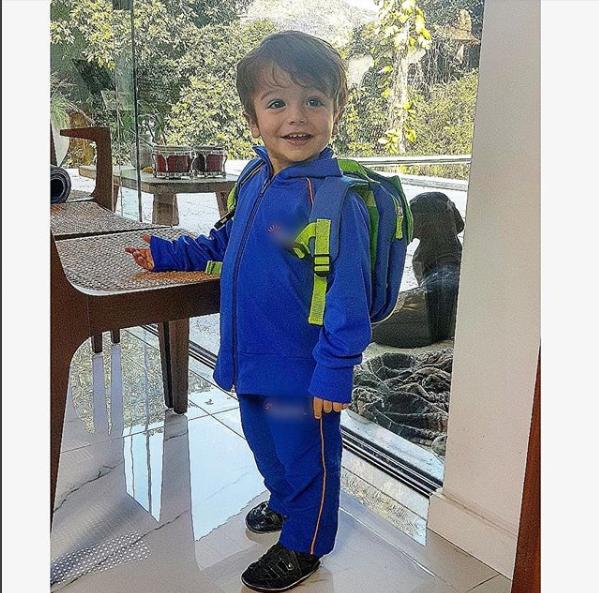 Rocco indo para a escola (Foto: Reprodução Instagram)