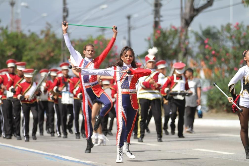 Baliza e balizador durante desfile cívico na Avenida Mascarenhas de Morais, na Zona Sul do Recife, durante celebração do 7 de Setembro, no Recife (Foto: Marlon Costa/Pernambuco Press)