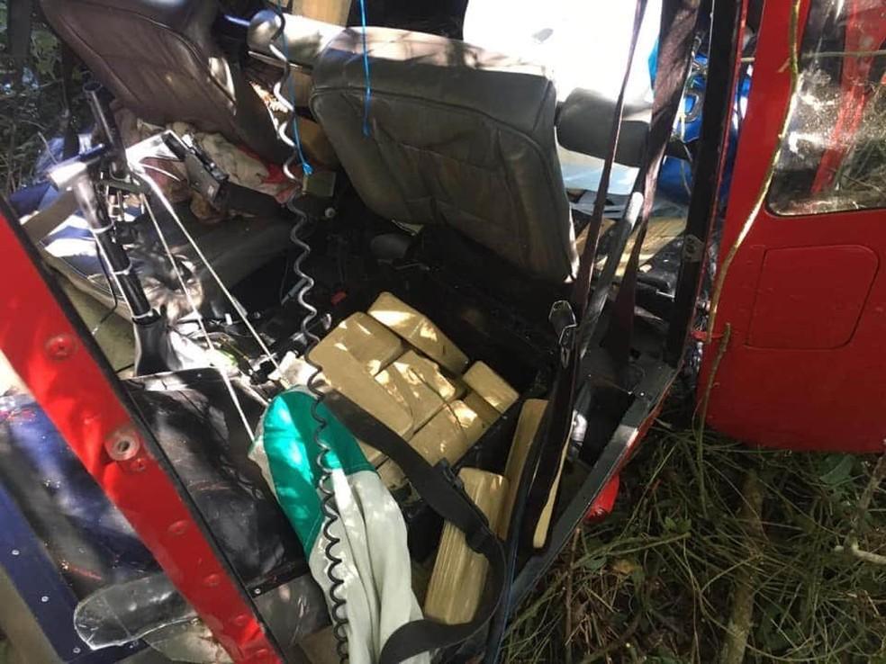 Drogas encontradas dentro do helicóptero que caiu em Ibiúna, interior de São Paulo.  — Foto: Reprodução/Redes Sociais
