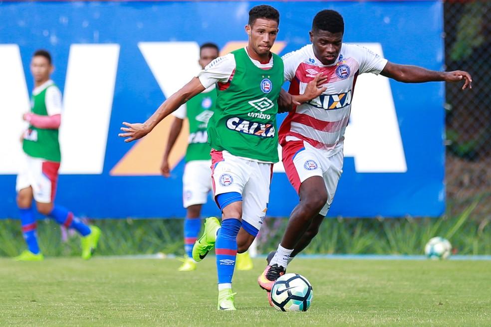 f9abe5252f ... Feijão (à dir.) disputou nove partidas pelo Bahia no ano passado — Foto