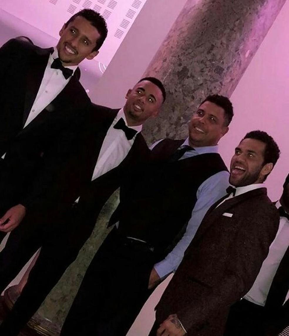 Marquinhos, Gabriel Jesus, Ronaldo e Daniel Alves representam duas gerações da Seleção na festa (Foto: Reprodução / Instagram)