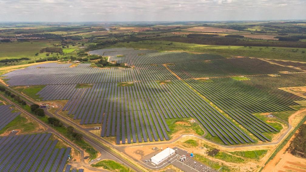 Complexo de Guaimbê possui 550 mil placas solares instaladas em uma área de 237 hectares — Foto: AES Tietê/Divulgação