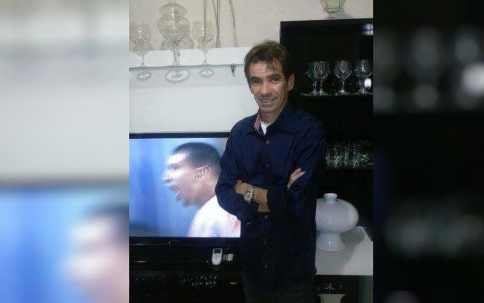 Jornalista Edivam Martins foi encontrado morto nu e com marcas de facadas (Foto: Facebook/Reprodução)