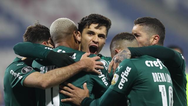 Gol de Raphael Veiga em Universidad Católica x Palmeiras