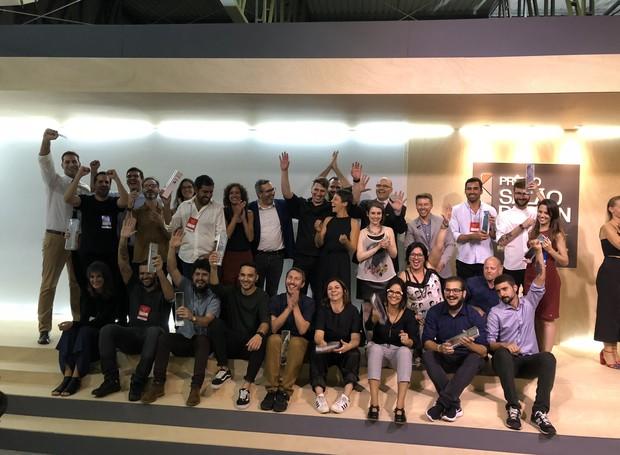 Jurados e premiados no palco do Prêmio Salão Design (Foto: Stéphanie Durante/Editora Globo)