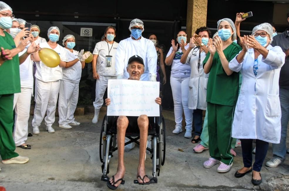 José Nelson Ferreira recebe alta após ficar 103 dias internado em hospital de Natal — Foto: Joana Lima