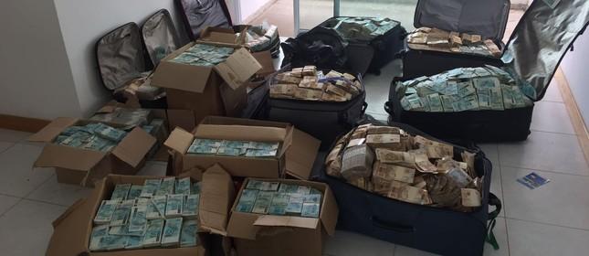 Polícia Federal encontra dinheiro em apartamento ligado a Geddel (Foto: Polícia Federal)