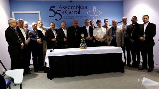 Bispos do RJ fazem oração pedindo paz no Estado durante assembleia da CNBB